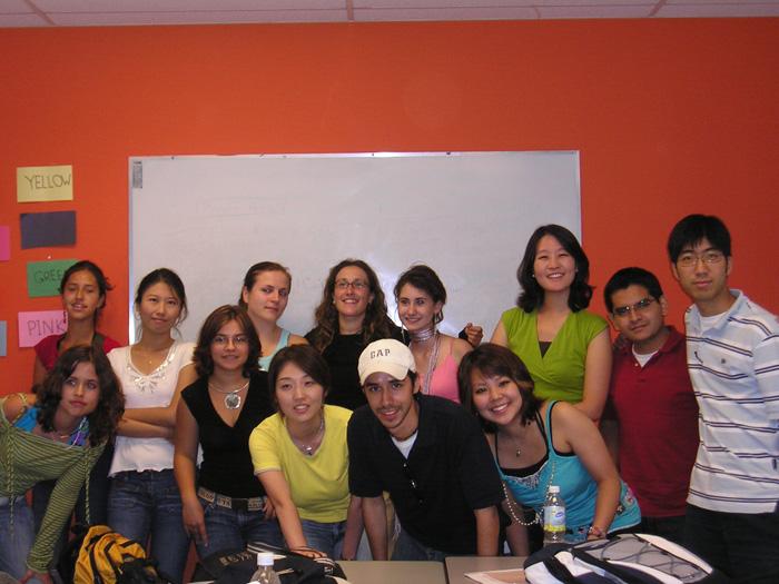 語学留学 モントリオール Ayumiさん クラスの仲間と