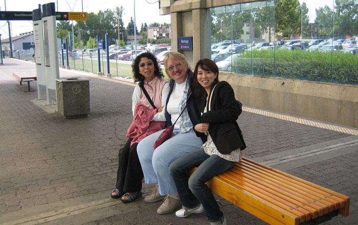 シニア留学 カルガリー Tomokoさん ホストマザーとお母様
