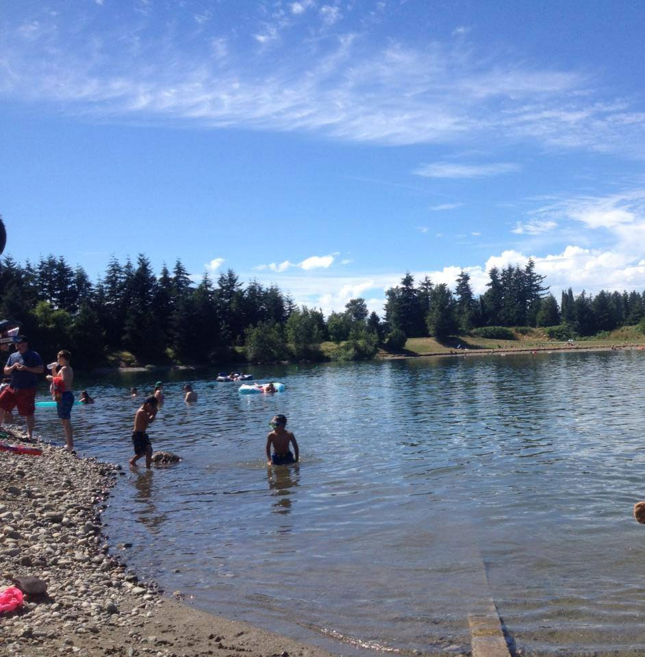 アボツフォードで湖水浴