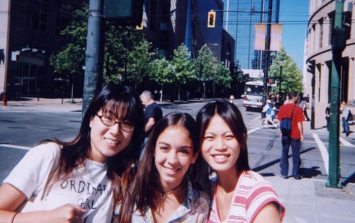 語学留学 専門留学 バンクーバー 仲間と街を散策 Yorikoさん
