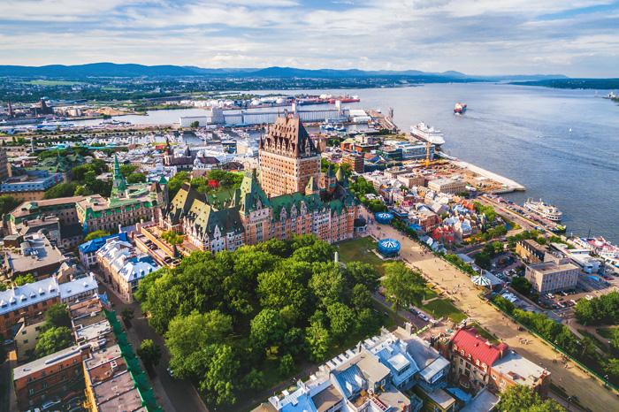ケベックシティの象徴 フロンナック