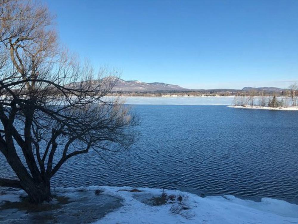 マゴグの湖