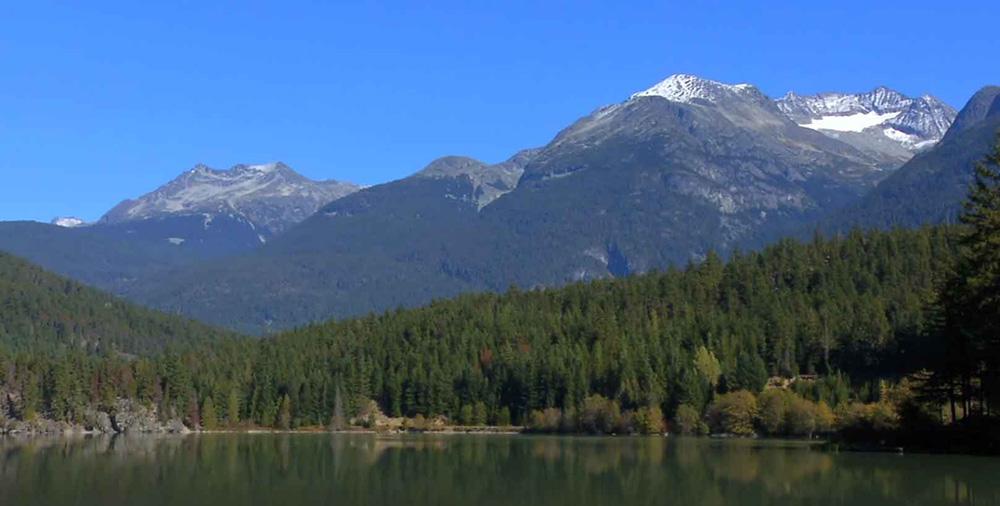 ペンバートンの山と湖