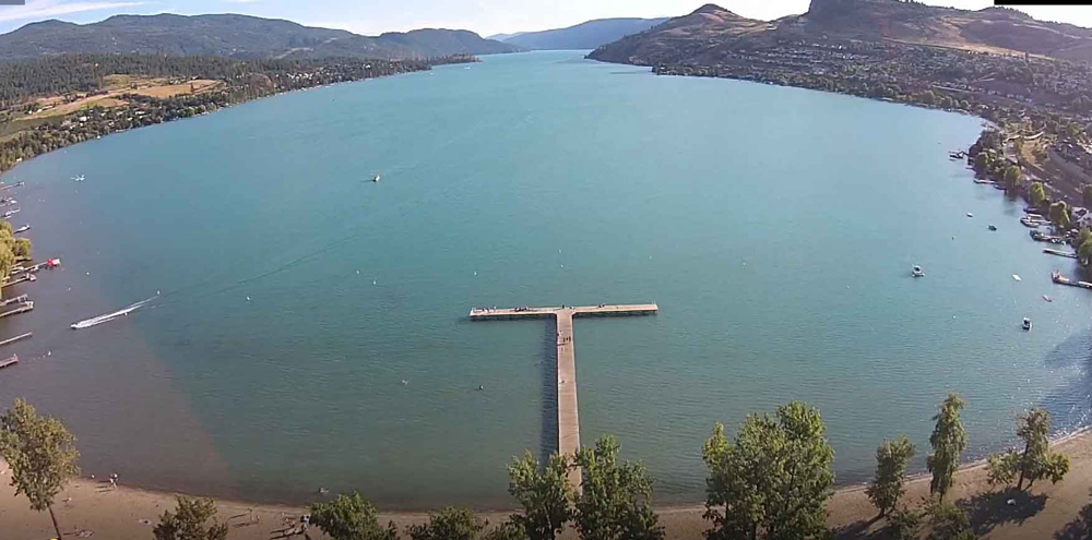 バーノンの湖と桟橋