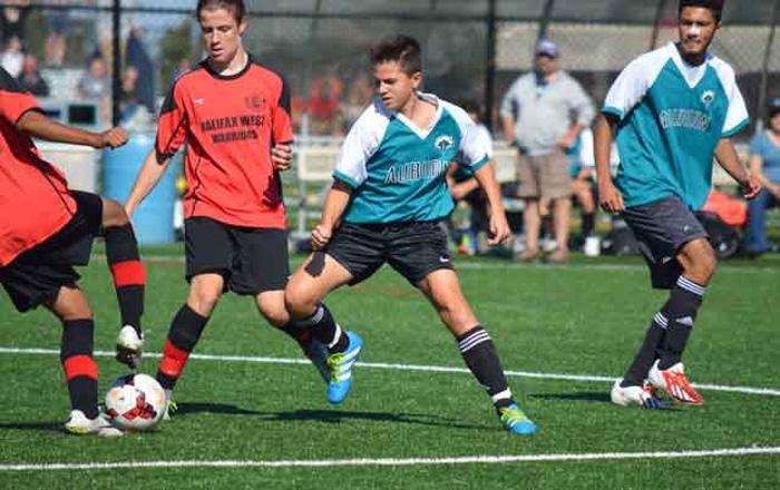 ノバスコシア教育委員会 サッカークラブに所属