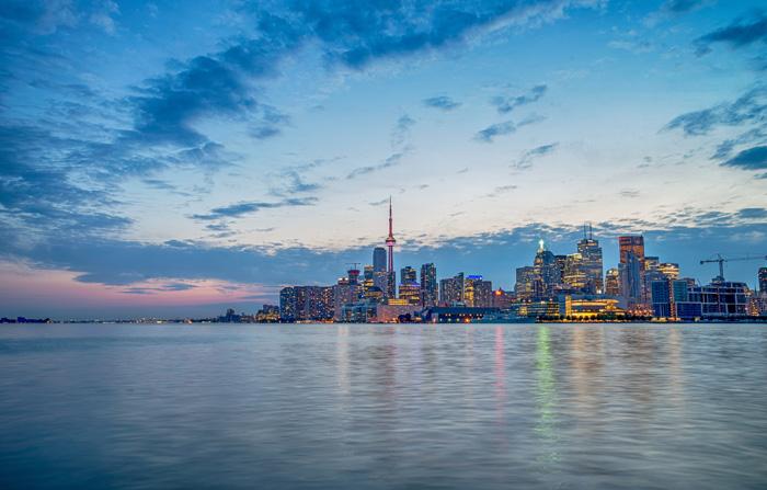 留学に適した国カナダ トロントのスカイライン