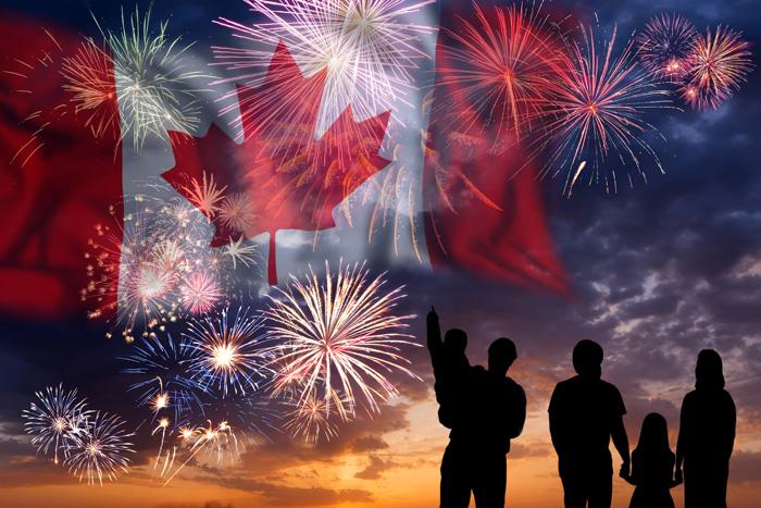カナダフラッグと花火