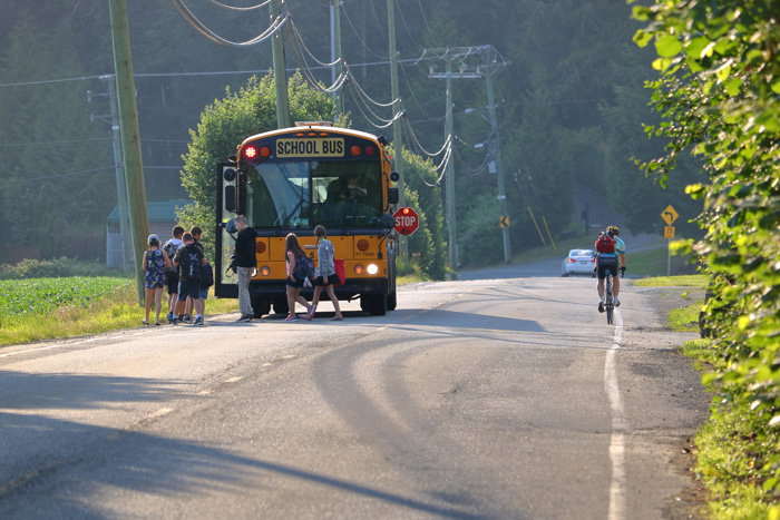 カナダの留学生の典型的な一日 スクールバスで通学
