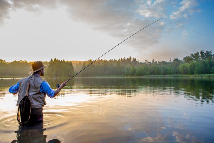 様々なアクティビティ カムループスで釣り