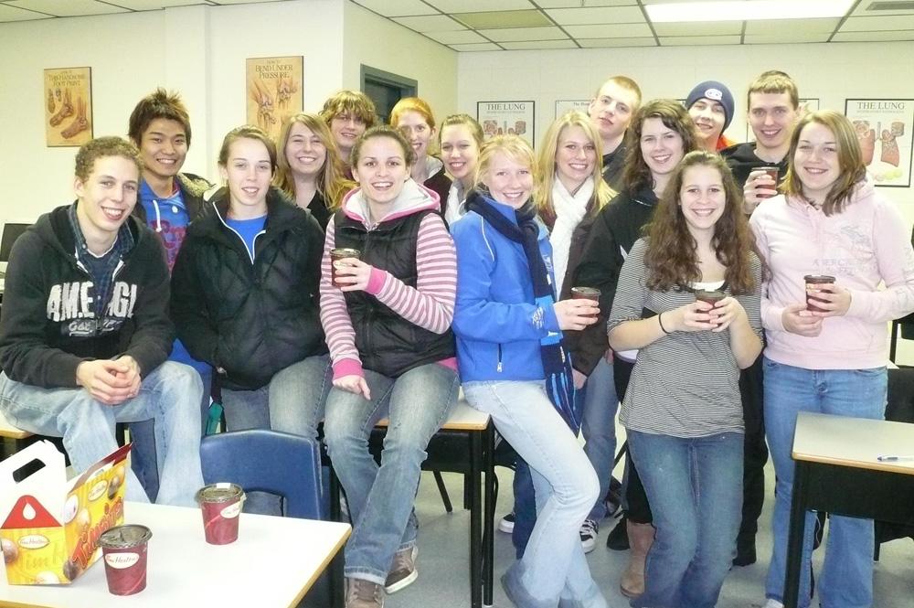 ノバスコシア州で高校留学中、クラスメートとの写真 Junyaさん