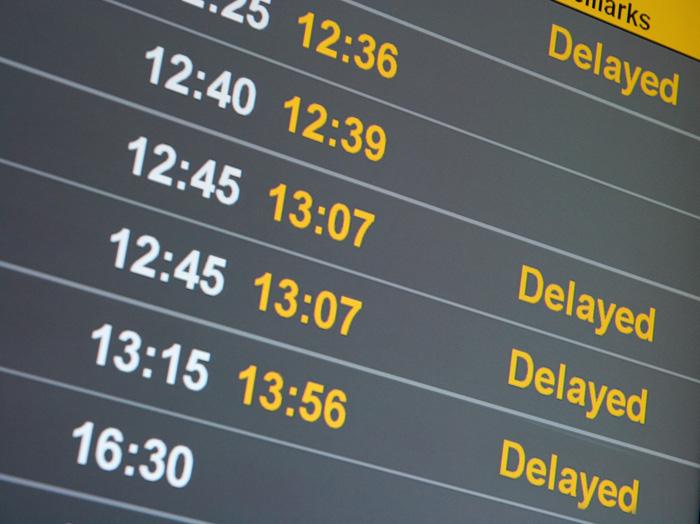 選ばれる理由 飛行機の遅延
