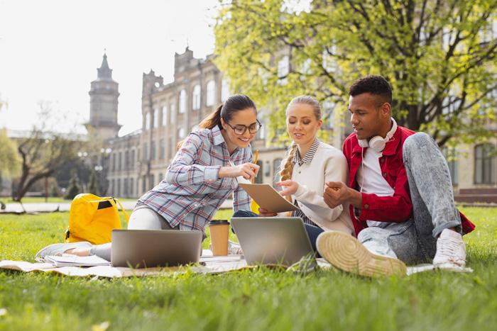 留学の出発時期を考える カナダ大学留学