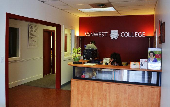 VanWest College ケローナ レセプション