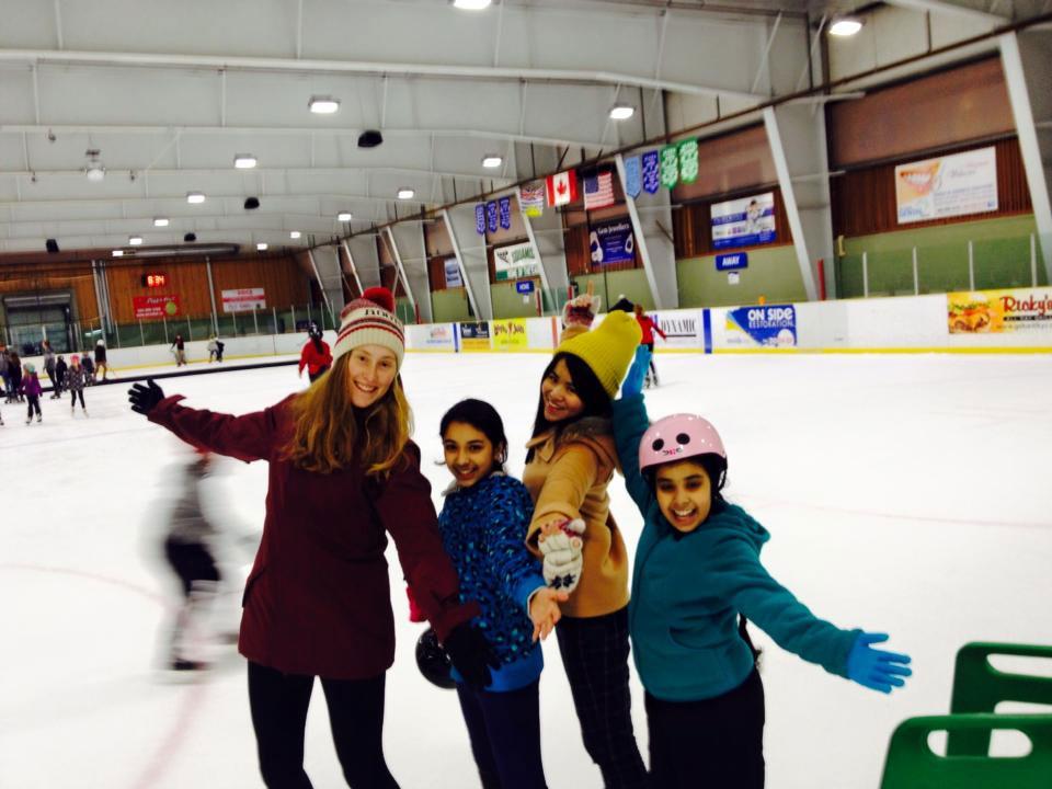 高校留学 スコーミッシュ スケートでポーズ Nanakoさん