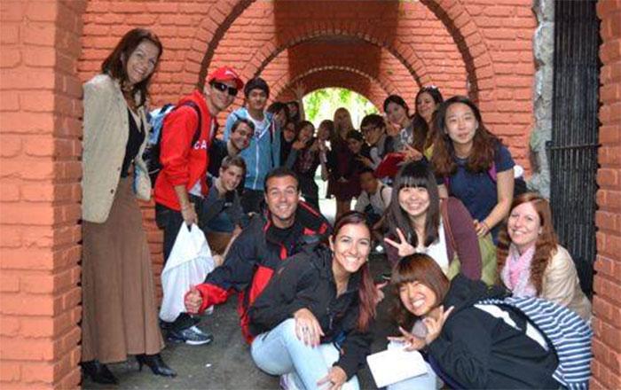 語学留学 ビクトリア 長期留学 アクティビティ中皆と Natsumiさん