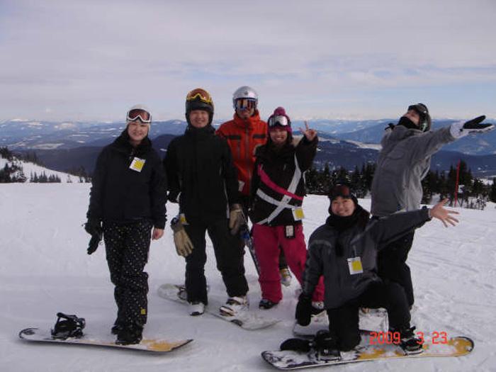 ワーホリ 語学留学 バンクーバー ブリティッシュコロンビア州  Megumiさん スノーボードを楽しむ