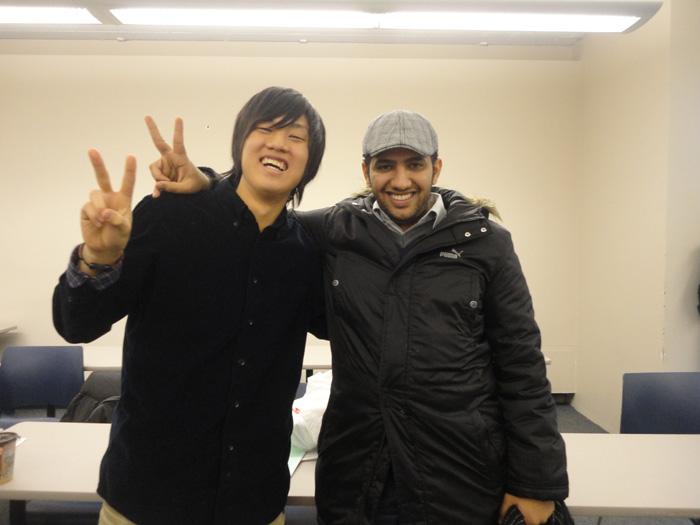 大学付属語学コース ゲルフ Daikiさん クラスメートとツーショット