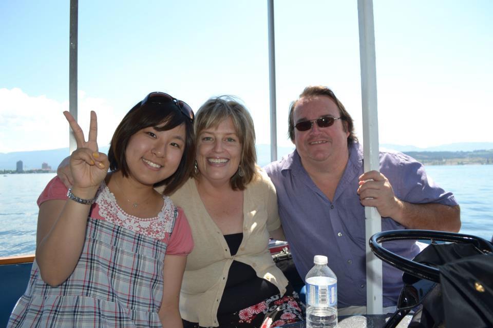 語学留学 インターンシップ 仕事体験 長期留学 ケローナ バンクーバー ホストファミリーとのショット Yuiさん