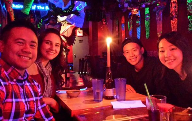 ワーホリ バンクーバー Rinaさん 仲間とディナー