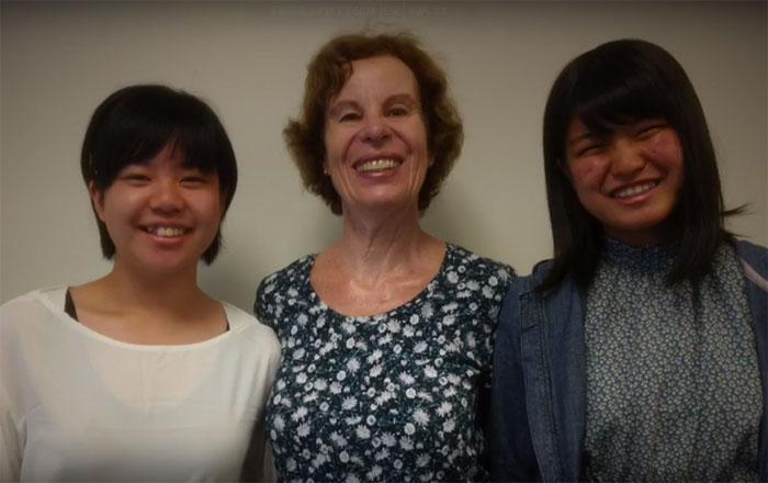 看護師の為の留学 Vector バンクーバー 患者さんとのショット Kasumiさん