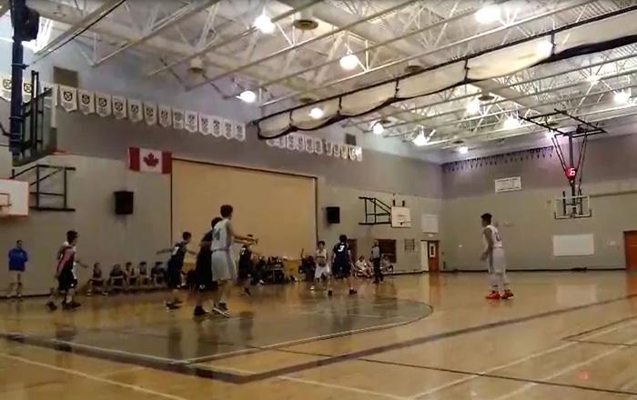 高校留学 バスケットボールの試合に出場中 Kiyoshiさん