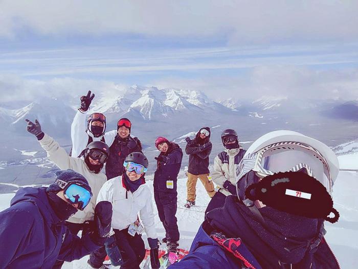 大学付属語学留学 カルガリー Minamiさん 仲間とスノーボード