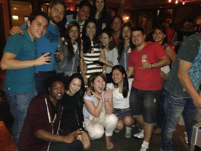 語学留学 ワーホリ モントリオール 大好きな仲間達とパーティー Satokoさん