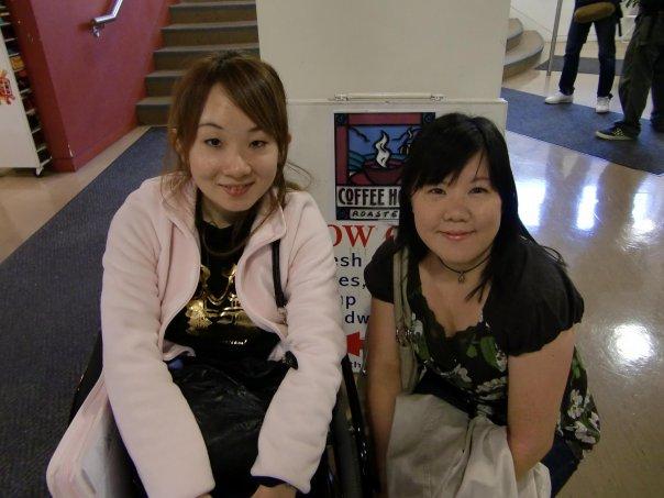 短期語学留学 バンクーバー ピュアカナダの朋美さんと Mayumiさん