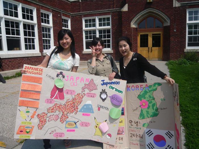 大学付属語学留学 ウィニペグ Mizukiさん 日本をプレゼンテーション