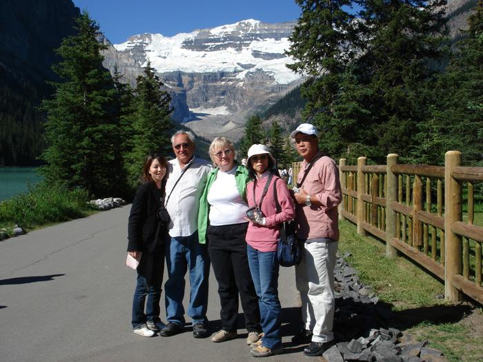 語学留学 短期 カルガリー 両親とホストファミリーと一緒に Tomokoさん