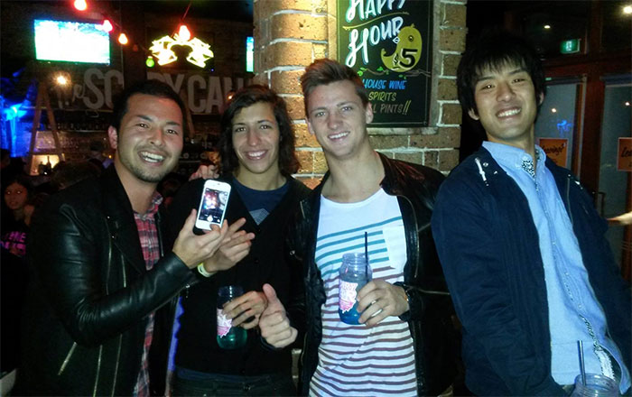 バンクーバー 語学留学 カレッジ正規留学 大好きな仲間達と飲み Tatsuyaさん