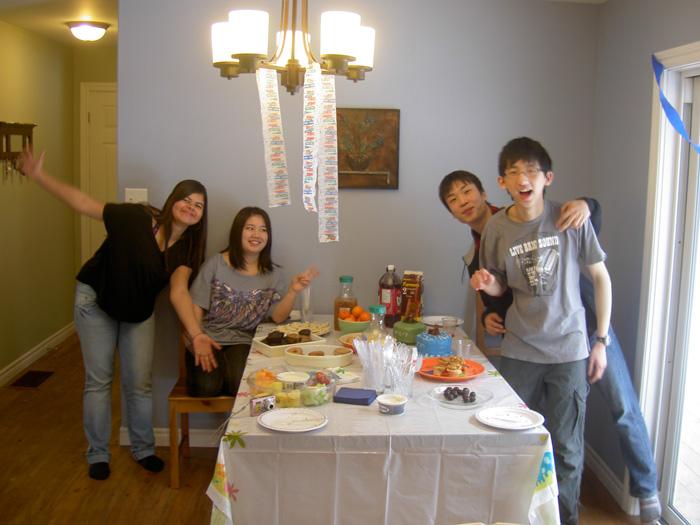 高校留学 ノバスコシア州 Ryugoさん ホストファミリー宅での食事前