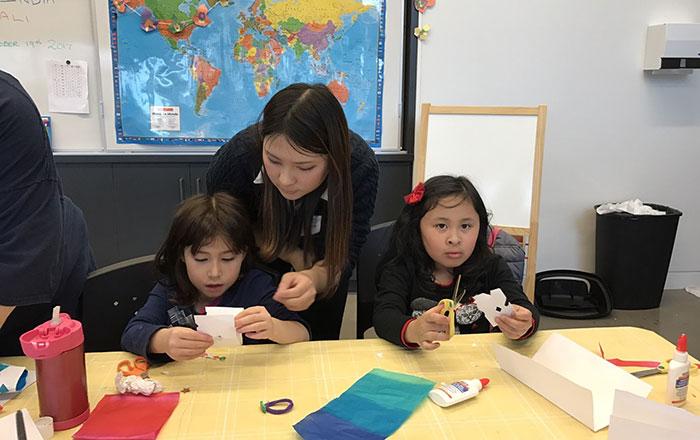 インターンシップ バンクーバー 子供に教える Misakiさん