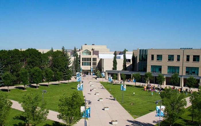 マウントロイヤル大学のキャンパス