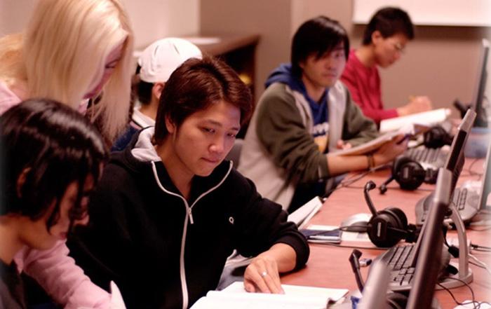 トンプソンリバーズ大学に学ぶ学生達