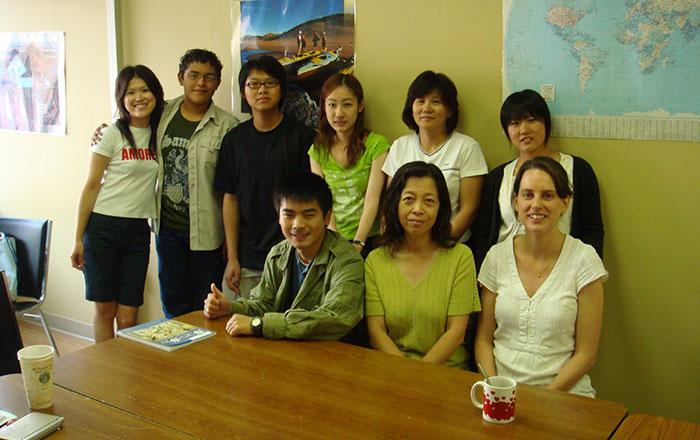短期語学留学 夏休み プリンスエドワード島 クラスの仲間達と Misaさん