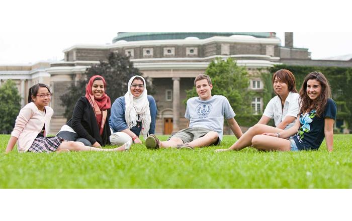 トロント大学ジュニアプログラムの生徒の写真