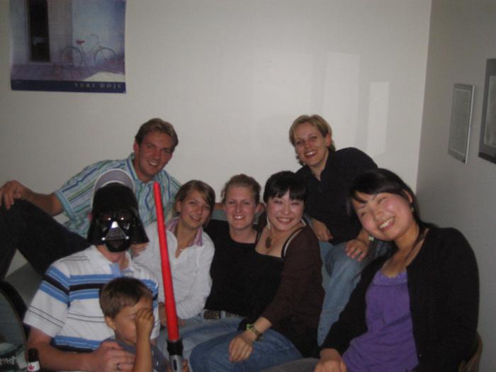 語学留学 バンクーバー 語学学校の仲間達でパーティー Akiさん