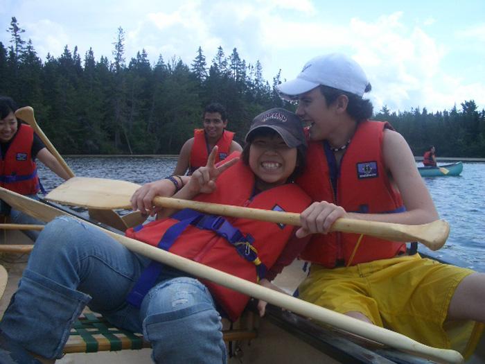 高校留学 ノバスコシア州 サマーキャンプでカヌー Ayuuさん