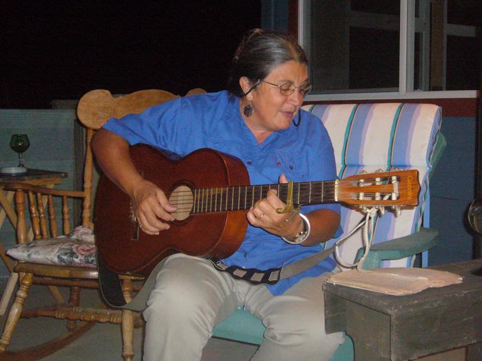 ファームステイ エレンのギター Ainaさん