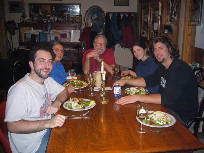 ファームステイ ホストのロブとディナー Ainaさん