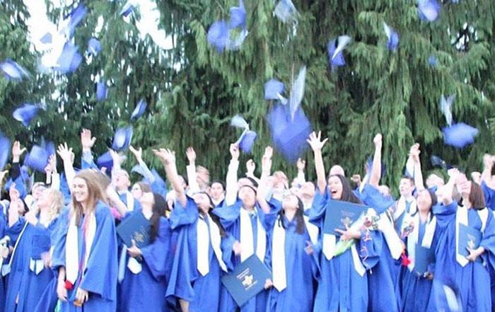 カナダ高校留学 卒業式にて