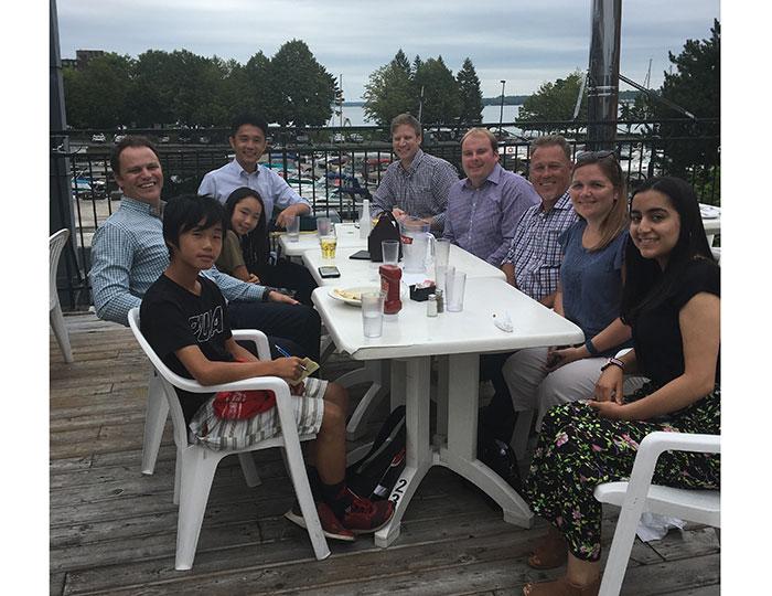 アッパーカナダ教育委員会のスタッフ達と会食