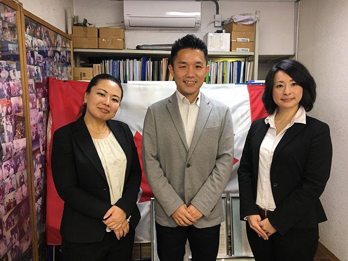 日本人スタッフのYokoさんとShokoさん