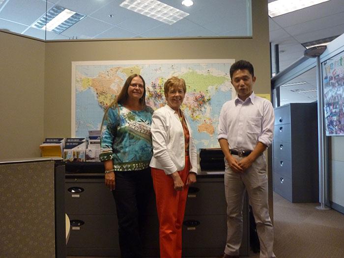 マウントロイヤル大学で迎えて下さったAudreyさんとDanaさん