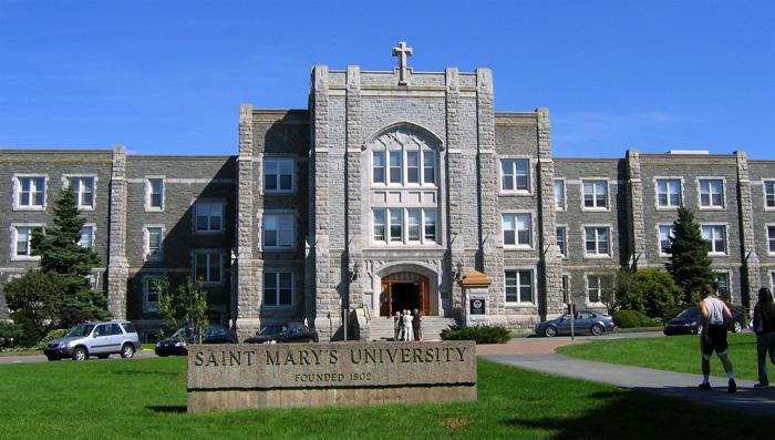 セントメアリーズ大学のメインビル