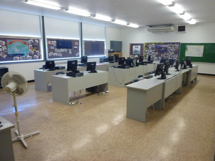 アップランズキャンパスのコンピュータ室