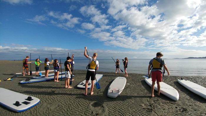 クオリカムビーチでサーフィン