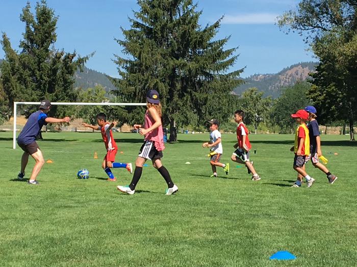 IGKサッカーキャンプで楽しむ息子